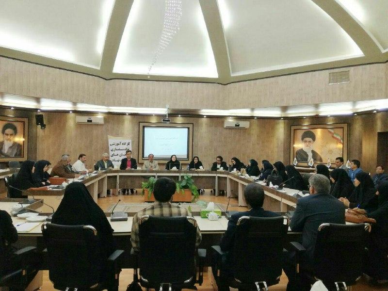 نشست آموزش كارآفريني اجتماعي با حضور سازمانهاي مردم نهاد برگزار گرديد
